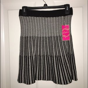 Candie's Knit Skirt